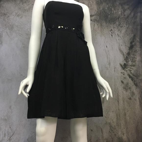 Max & Cleo Dresses & Skirts - Max & Cleo Strapless Fit & Flare Dress NWOT